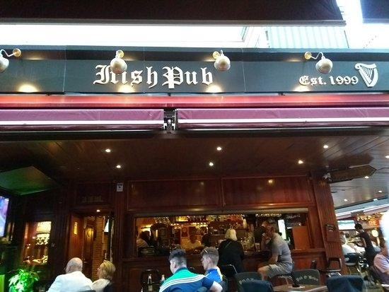 Pub O'Brien : front of bar