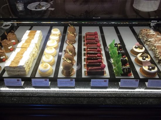 Cafe Central: le buffet des patisseries