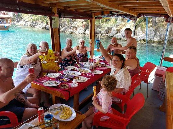 Freddys Daily Boat Trip: Freddys Günlük Gezi Teknesi