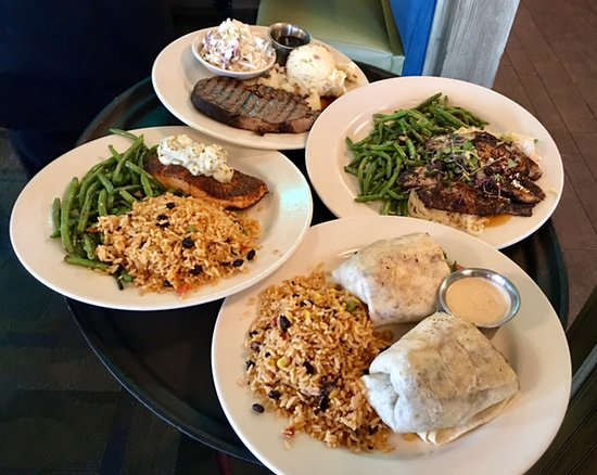 Winona Lake, IN: The Boathouse - four dinner options