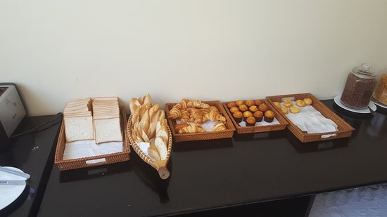 Hoi An Rose Garden Hotel: Bread etc breakfast