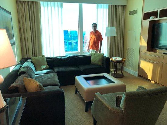 โรงแรมทรัมพ์ อินเตอร์เนชั่นแนล ลาสเวกัส: King suite, city view
