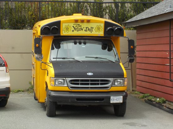 The Yellow Deli: All aboard!