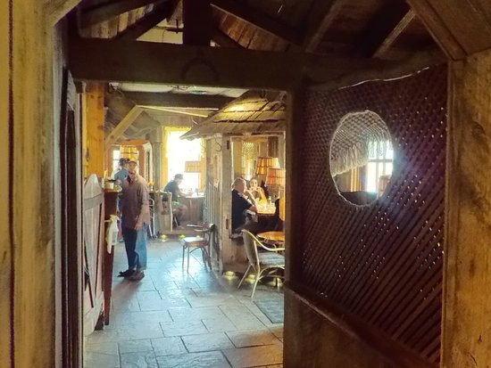 The Yellow Deli: Peering into the front.