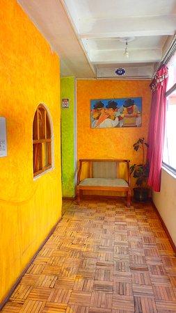 Hostal Otavalo Huasi I: Pasillo del segundo piso
