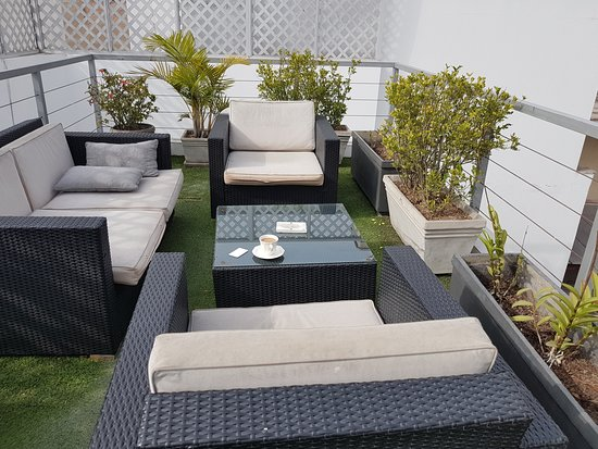Ife Boutique: 3rd floor open patio/sitting area