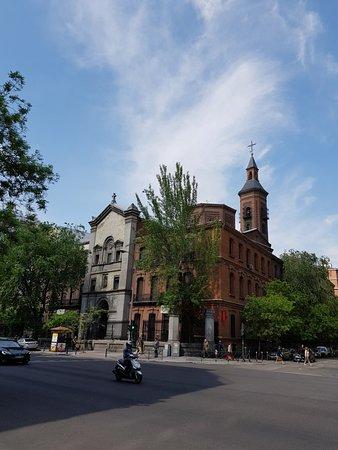 Nice architecture around Glorieta De Quevedo.