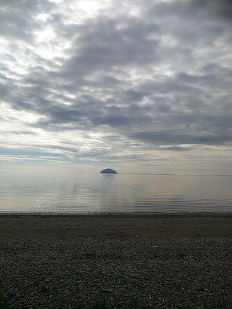 Girvan Beach : Spectacular views of Ailsa Craig and Arran, from Girvan, Scotland