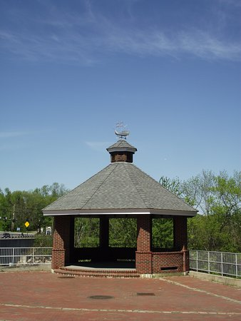 ME - BIDDEFORD - MECHANICS PARK - GAZEBO