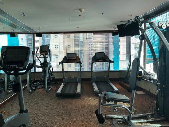 Lan Kwai Fong Hotel @ Kau U Fong: Gym at Lan Kwai Fong Hotel (2)