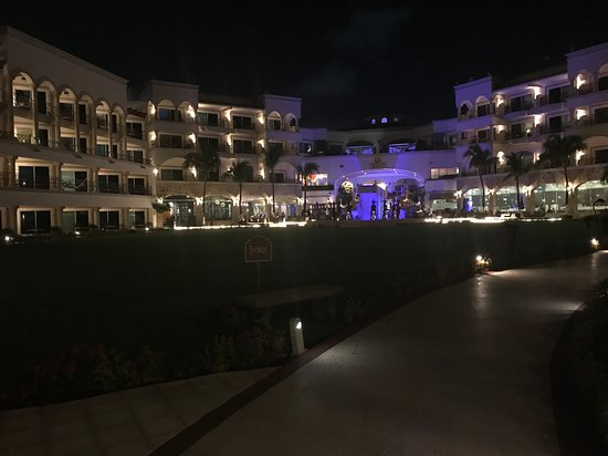 Hilton Playa del Carmen, an All-Inclusive Adult Only Resort: Night view