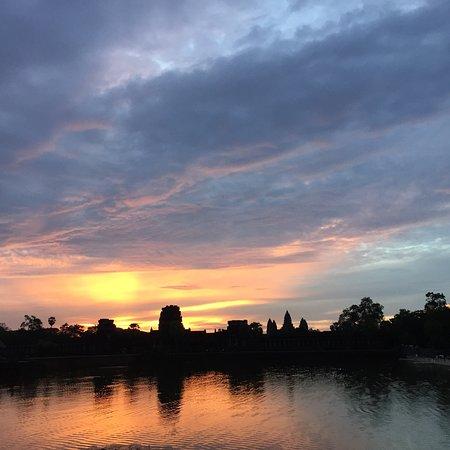 Angkor Private Guide : AngkorPrivateGuide@gmail.com