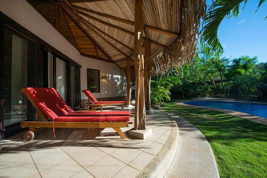 Tamarindo Dreams Hotel & Villas: Private terrace and pool