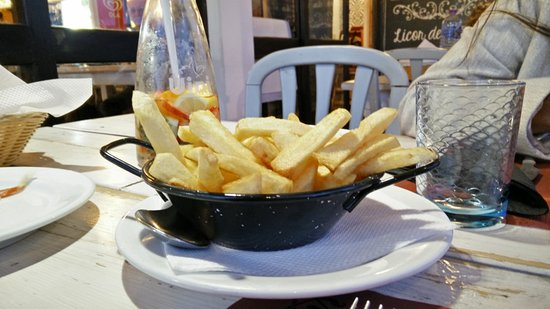 Restaurante O Luar da Foia: batata frita caseira