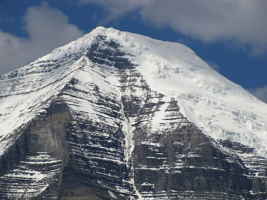 Mount Robson summit, zoomed in.