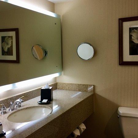 Sheraton Ontario Airport Hotel: photo0.jpg