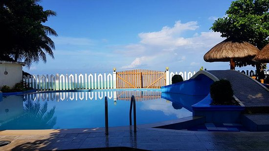 AGM Beachfront Resort : Photo by Nelson Osial