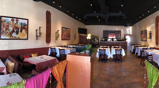 All India Cafe: Indoor