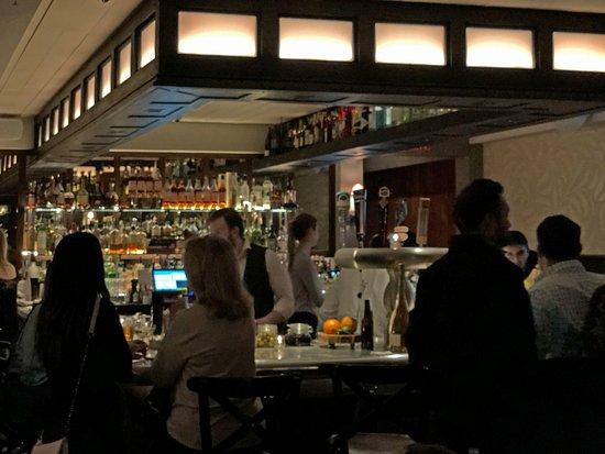 Artisan: Bar with counter seating