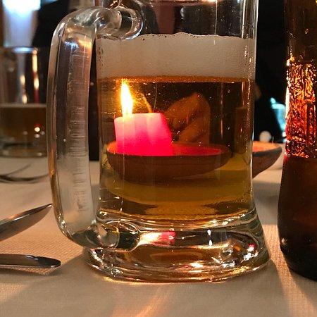 Mama Seledonia: Delicious Cuy and good beer!