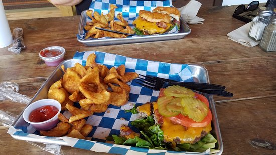 House of Burgers and Blues: Burgers and Sidewinders - meh