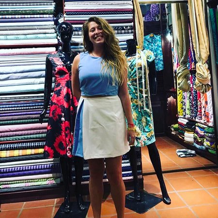 Blue Eye Tailor: customers happy with final awesome products made.)