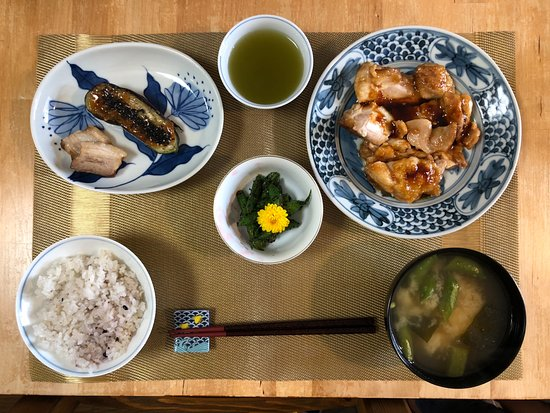 Mayuko's Little Kitchen Japanese Cooking Class: The completed meal