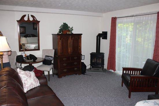 Ocean Woods Resort: Very spacious room
