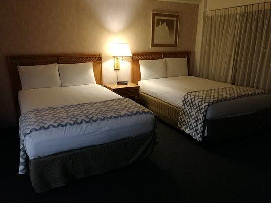 Ilima Hotel: IMG_20180413_200018_large.jpg