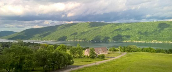 Finger Lakes Wine Country: An awesome view of Canandaigua Lake in Finger Lakes