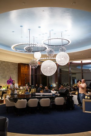 Lobby Lounge: Live Entertainment