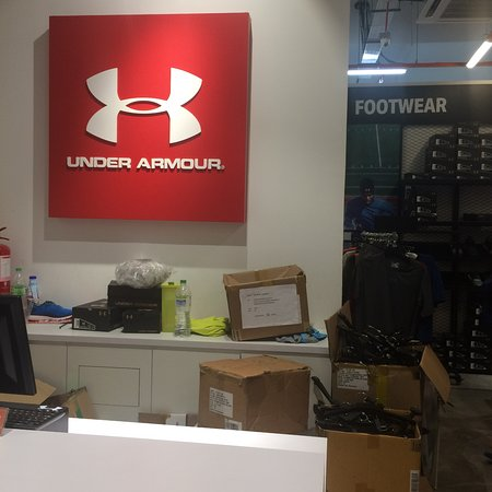under armor outlet hours
