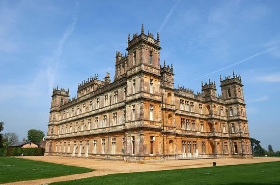 Downton Abbey and Village Tour fra...