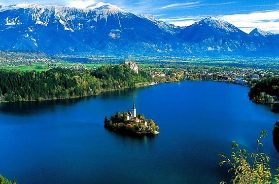 Lake Bled and Ljubljana Tour- Shore...