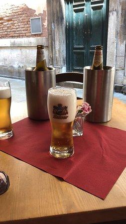 Ristorante Marco Polo: Koud biertje!