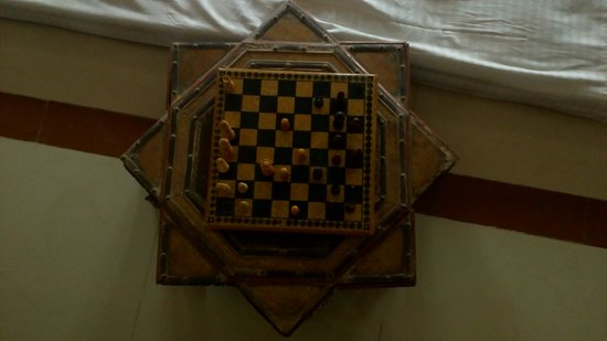 Castle Jhoomar Baori: Chess used by the Kings.