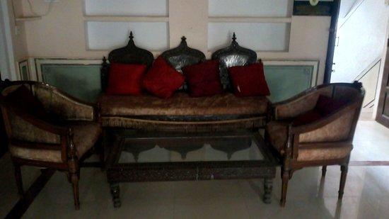 Castle Jhoomar Baori: Heritage Furniture