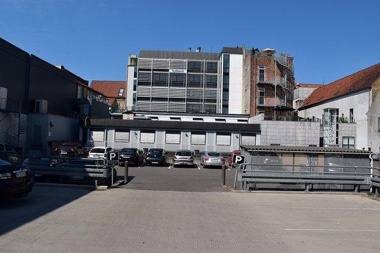 Teaterhotellet: Adgang til hotellet ad trappe nederst til højre