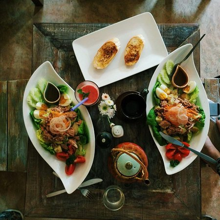 Witching Well Restaurant and Wine Bar: Witching Well Pai Thailand