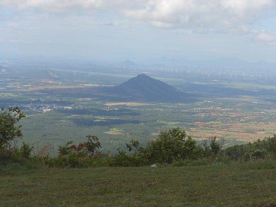 Ramakkalmedu: View from Statue