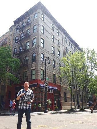 Visite New York: excursion sur les lieux de tournage des émissions télévisées et du cinéma: Friends building.