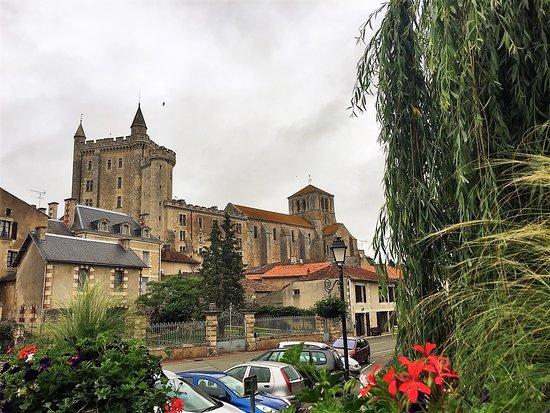 Eglise Notre Dame de l'Assomption : Une église à la situation spectaculaire