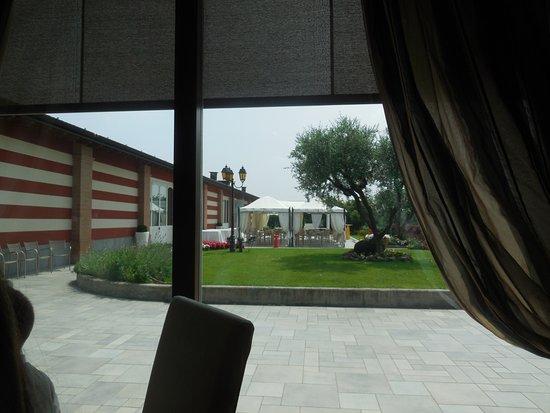 Capriano del Colle, Italy: vista dalla sala adiacente l'ingresso principale