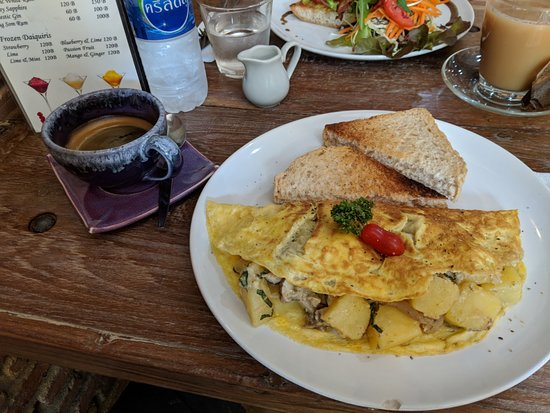 Witching Well Restaurant and Wine Bar: Magic Mushroom Omelette