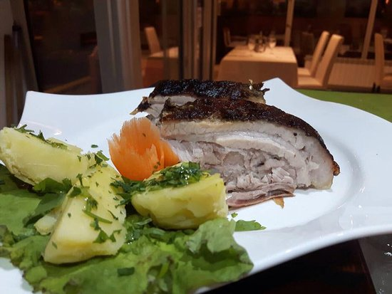 Jadica Fish & Grill: Pork ribs, oven baked with BBQ sauce - by special order