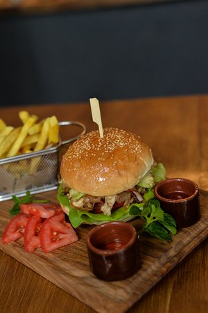 Burger Craft: BurgerCraft Chicken sandwich
