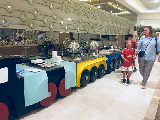 Voyage Torba : Tiny Tots meal area in main restaurant