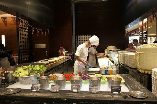 Urban Kitchen: 沙拉吧 Salad Bar