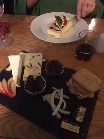Boxley, UK: Generous cheeseboard!