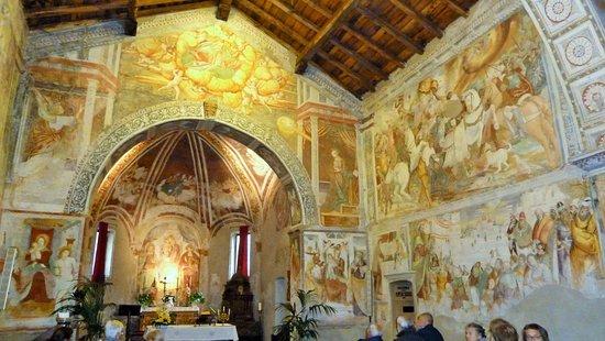 Chiesa di San Marco Varallo: Pareti completamente affrescate